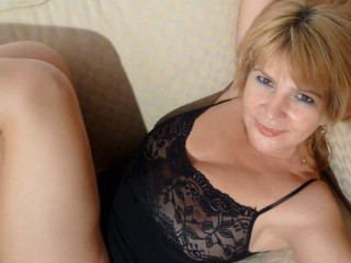 Join and watch Adama4love live on webcam