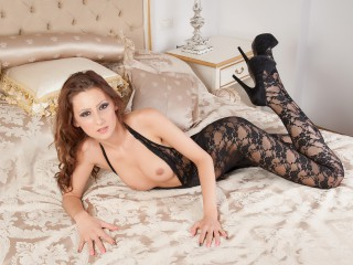 Join and watch Carolynne live on webcam