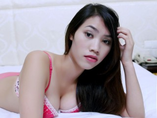 Join and watch Joanhe2014 live on webcam