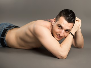 Join and watch Nickhudsonx live on webcam