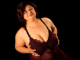 Join and watch Sweetmadam4u live on webcam
